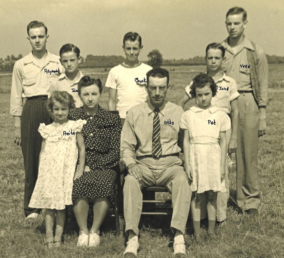 GillFamily1941.jpg